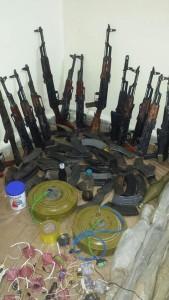 ضبط-كميات-أسلحة-في-الحديدة-2